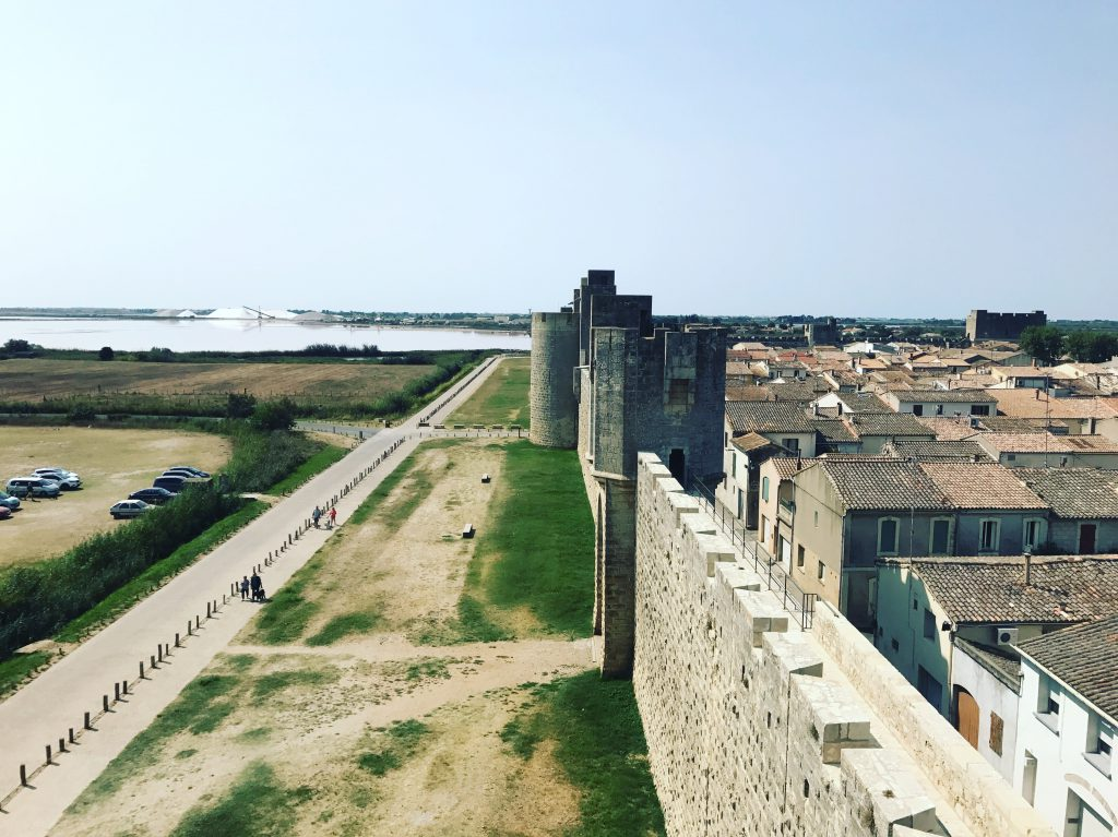 gay aigues-mortes